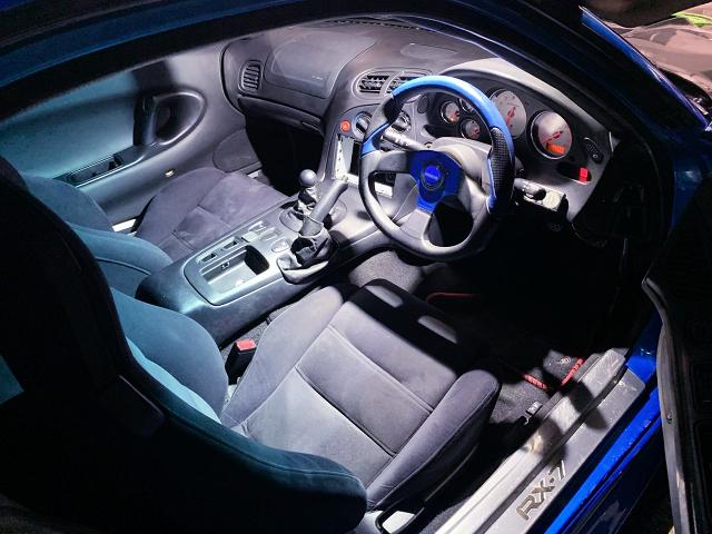 DRIVER'S INTERIOR OF FD3S RX-7.