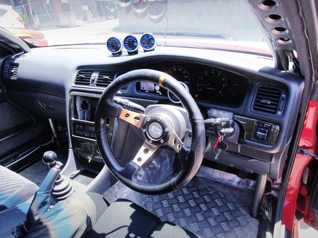 DRIVER'S DASHBOARD OF JZX100 MARK 2.