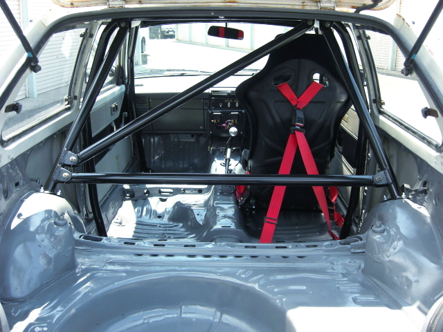 SINGLE SEATER and ROLL CAGE.
