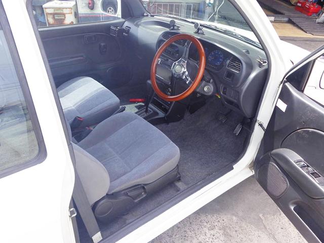 DRIVER'S INTERIOR OF L700S MIRA.