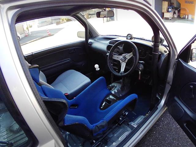 DASH AVOID ROLL CAGE INSTALLED L710V MIRA VAN.