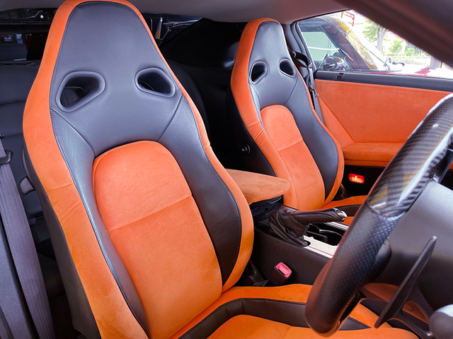 SEATS OF LB-WORKS GT-R.