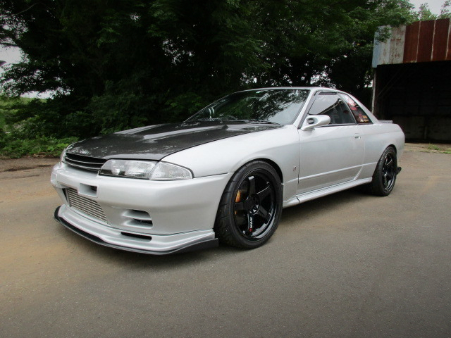 FRONT EXTERIOR OF R32 GTR.