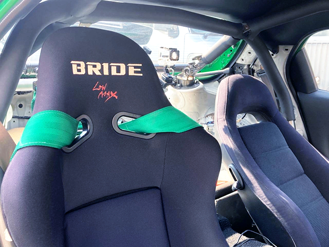 ROLL CAGE and DRIVER'S BRIDE SEAT.