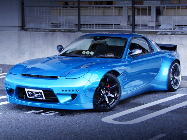 FRONT EXTERIOR OF FD3S RX-7 TYPE-RS with ROCKET BUNNY WIDEBODY.