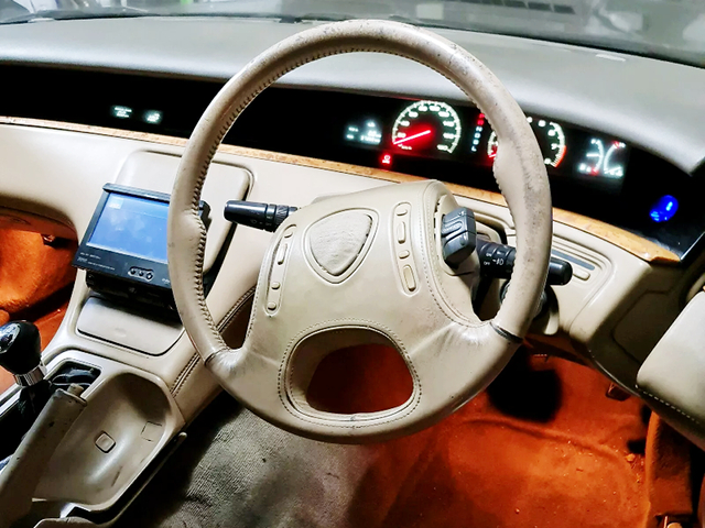 STEERING and DASHBOARD of JCESE EUNOS COSMO.