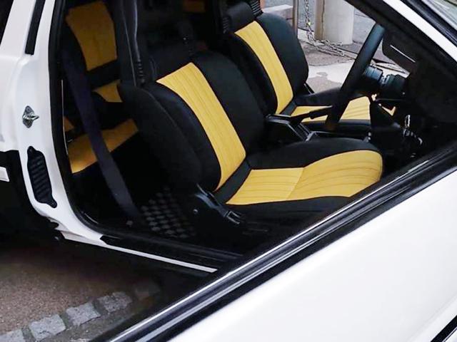 SEATS OF AE86 LEVIN GT-APEX INTERIOR.