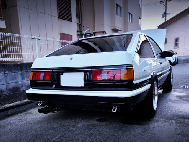 REAR EXTERIOR OF AE86 LEVIN GT-APEX.