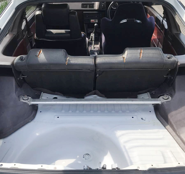 LUGGAGE SPACE OF AE86 LEVIN GT-APEX.