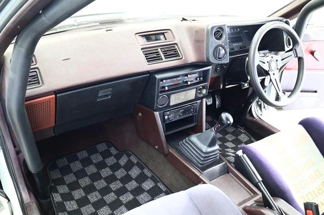 PASSENGER DASHBOARD of AE86 TRUENO GT-APEX INTERIOR.