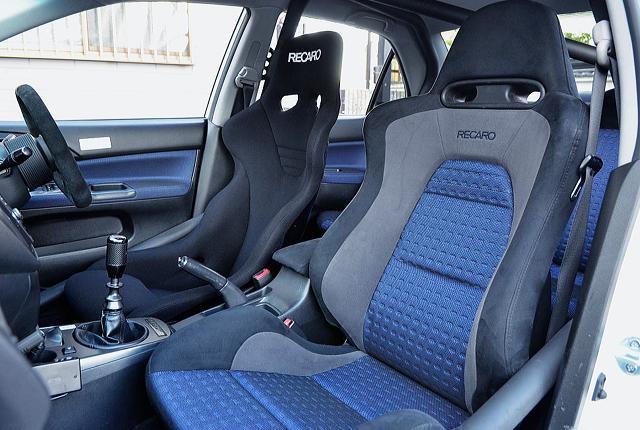 SEATS OF EVO 8 GSR INTERIOR.