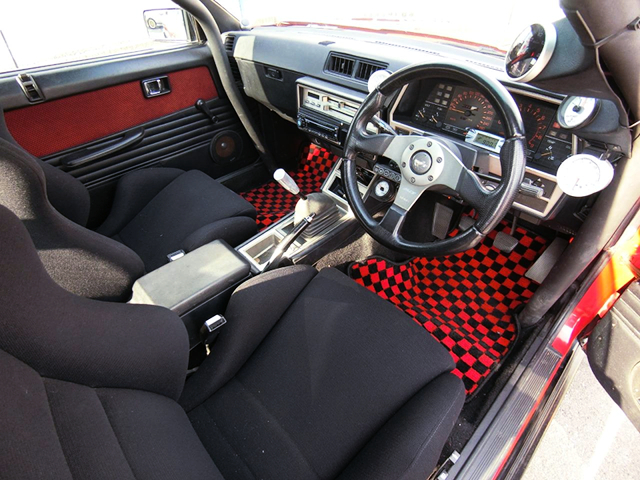 DRIVER'S DASHBOARD of DR30 IRON MASK SKYLINE.