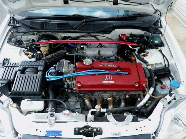 TYPE-R B16B 1600cc VTEC ENGINE into EK3 CIVIC FERIO ENGINE ROOM.