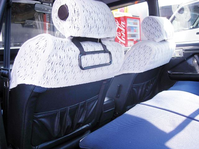 SEATS OF GS120 CROWN SEDAN INTERIOR.