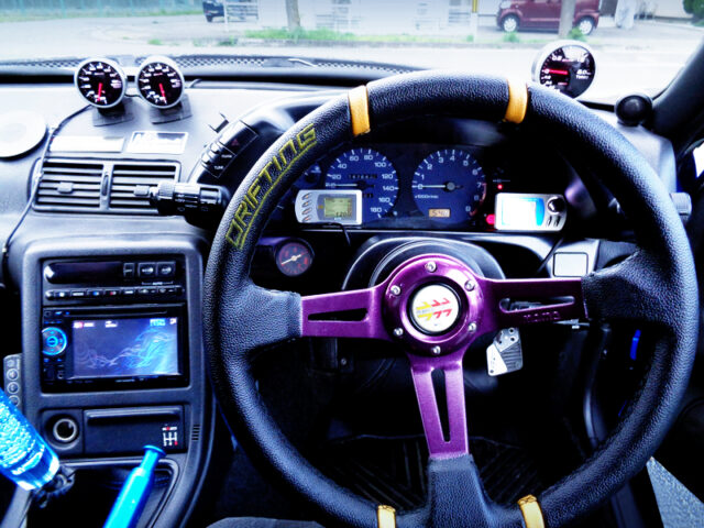 DRIVER'S DASHBOARD and MOMO DRIFTING STEERING OF HCR32 SKYLINE INTERIOR.