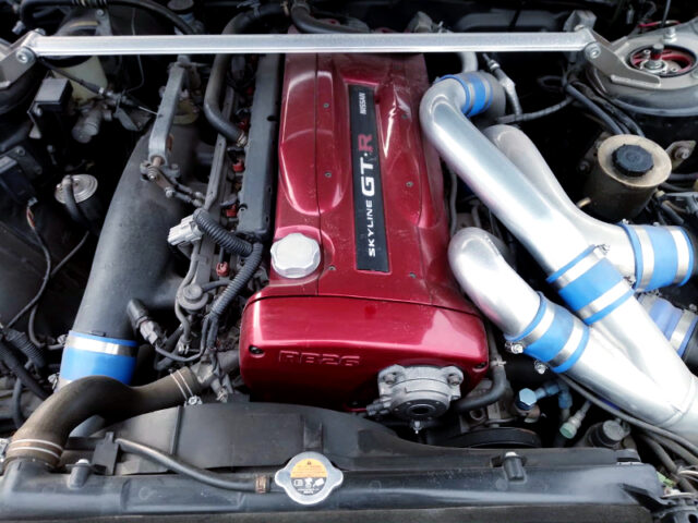 RB26DETT TWIN TURBO ENGINE into R31 SKYLINE ENGINE ROOM.