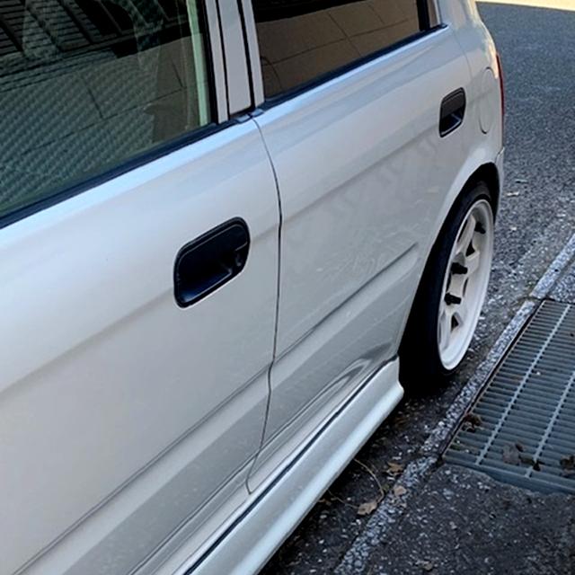 LEFT SIDE DOORS of JA4 TODAY 5-DOOR EXTERIOR.