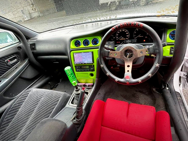 DASH AVOID ROLL CAGE INSTALL of JZX100 CHASER INTERIOR.
