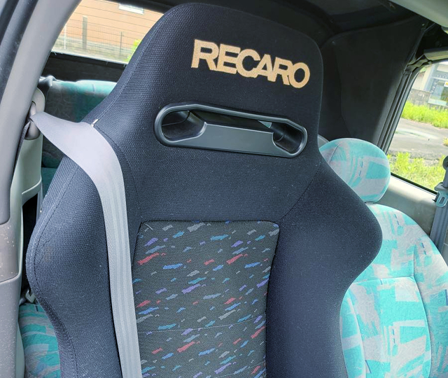 DRIVER'S RECARO SEAT OF K11 NISSAN MARCH CABRIOLET.