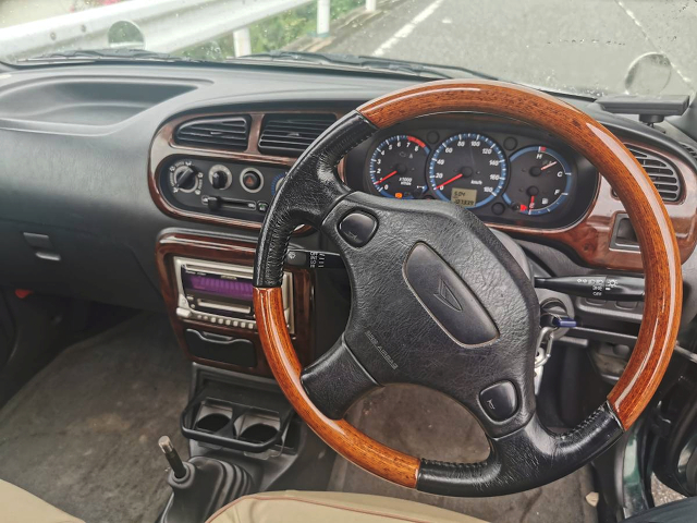 DRIVER'S DASHBOARD and STEERING of L700S MIRA GINO INTERIOR.