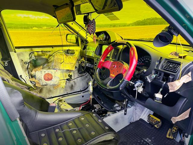 DRIVER'S INTERIOR OF NCP51V PROBOX.