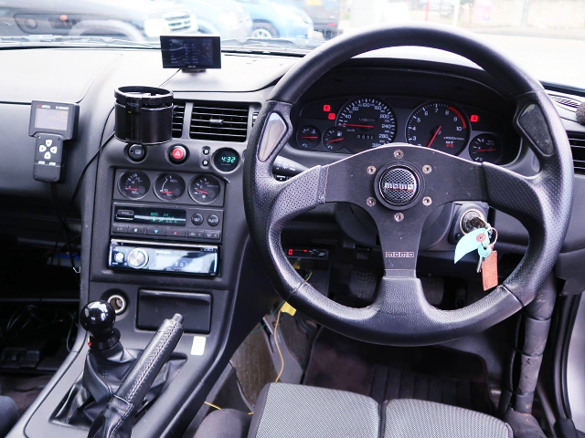 DRIVER'S STEERING and DASHBOARD of R33 GT-R INTERIOR.