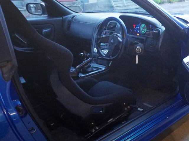 DRIVER'S INTERIOR OF R33 GTR V-SPEC.