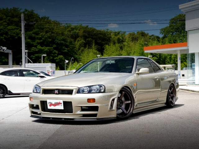 FRONT EXTERIOR OF R34 GTR.