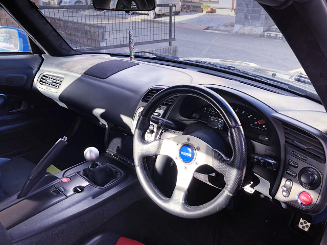 DRIVER'S DASHBOARD OF AP1 S2000.