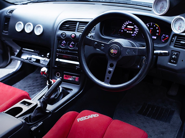 DRIVER'S DASHBOARD OF R33 GT-R INTERIOR.
