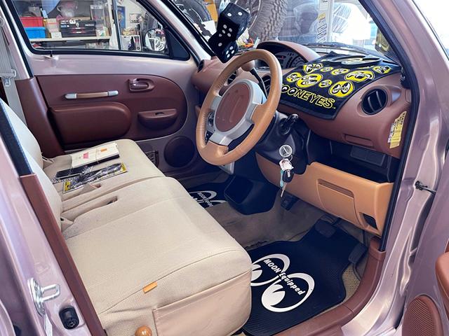 DRIVER'S INTERIOR of NCP19 WiLL Vi.