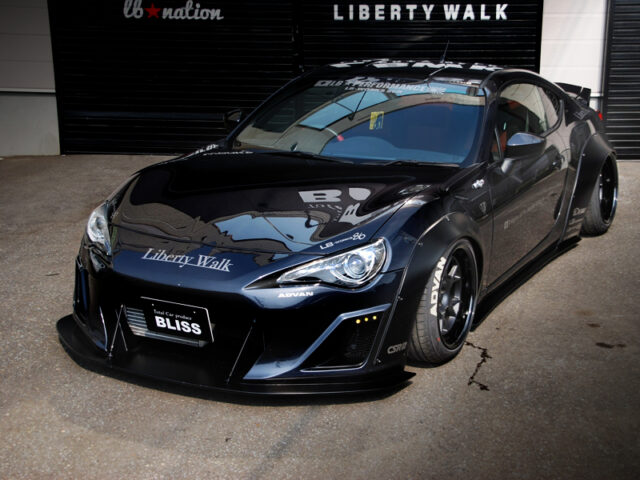 FRONT EXTERIOR OF TOYOTA 86 GT LIMITED.