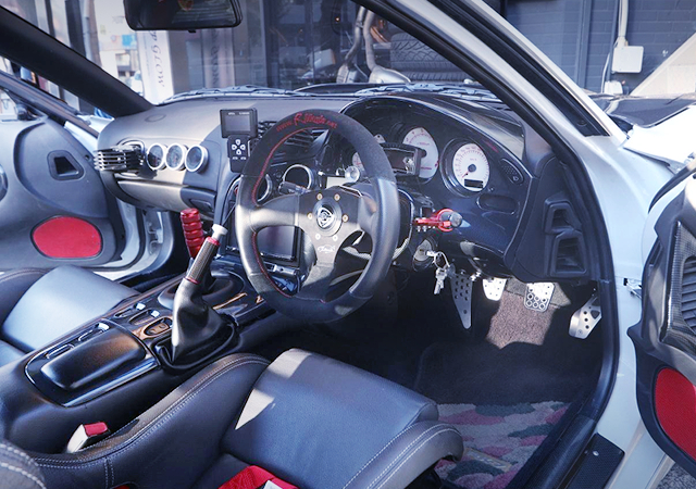 DRIVER'S DASHBOARD OF FD3S RX7.
