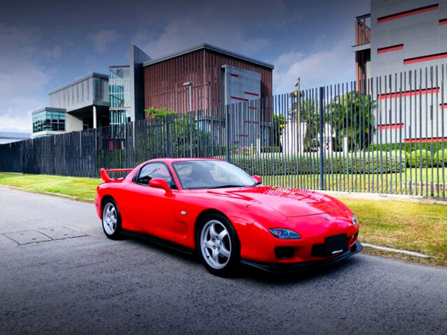 FRONT EXTERIOR of FD3S MAZDA RX-7.