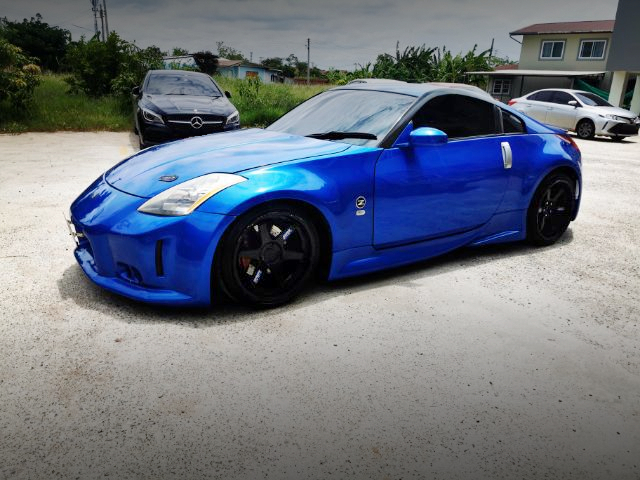 FRONT LEFT-SIDE EXTERIOR OF A31 CEFIRO to Z33 BODY CONVERSION.
