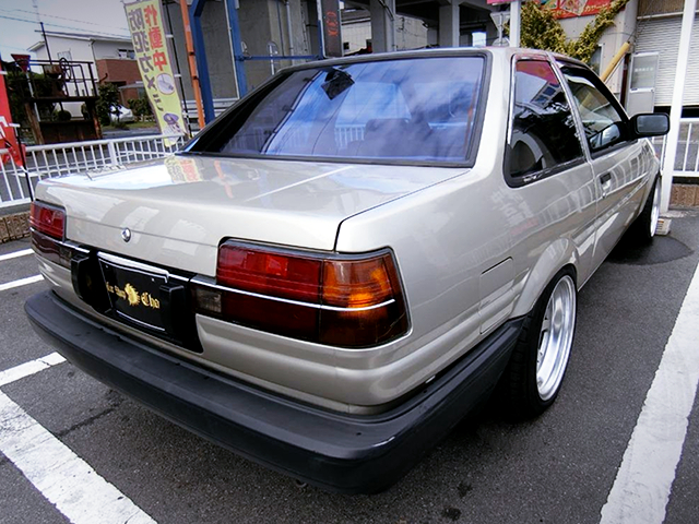 REAR EXTERIOR of AE85 LEVIN 2-DOOR 1500 LIME.