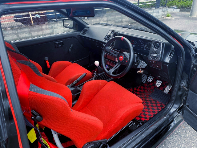 DRIVER'S INTERIOR OF AE86 LEVIN HATCHBACK GT-APEX.