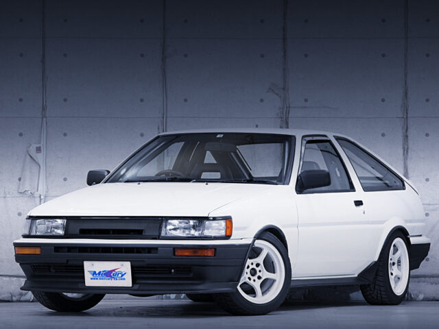 FRONT EXTERIOR of AE86 LEVIN HATCHBACK GTV.