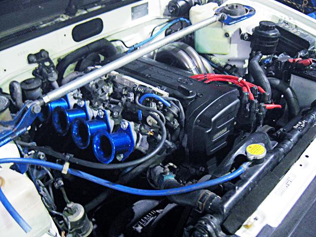 AE111 5-VALVE 4AGE ENGINE into AE86 LEVIN ENGINE ROOM.