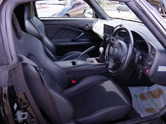 DRIVER'S INTERIOR of NA1 NSX.