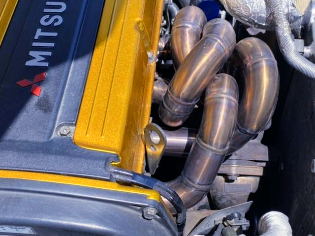 EXHAUST MANIFOLD on 4G63T.