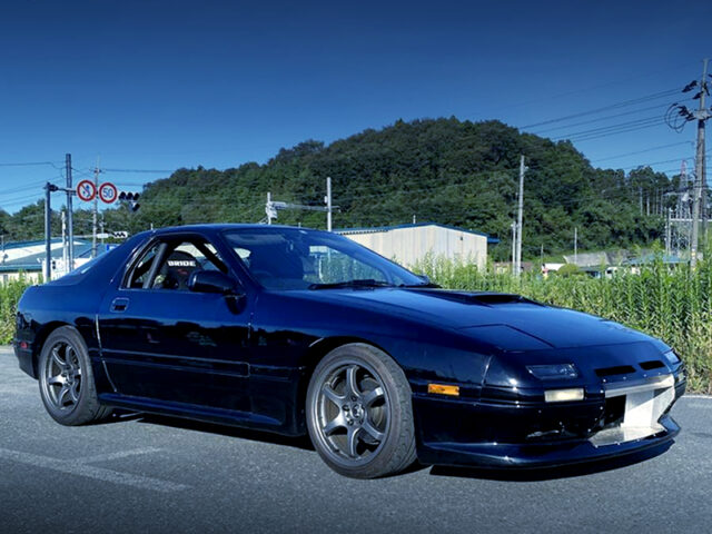 FRONT EXTERIOR of FC3S RX-7.