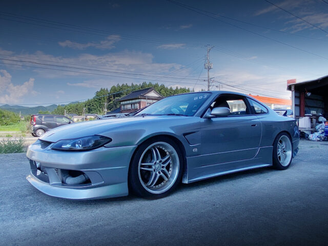 FRONT LEFT SIDE EXTERIOR OF S15 SILVIA SPEC-R.