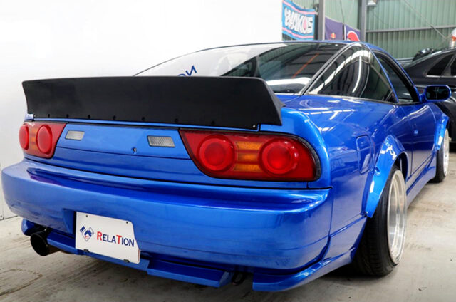 DUCK WING of 180SX TYPE-X.