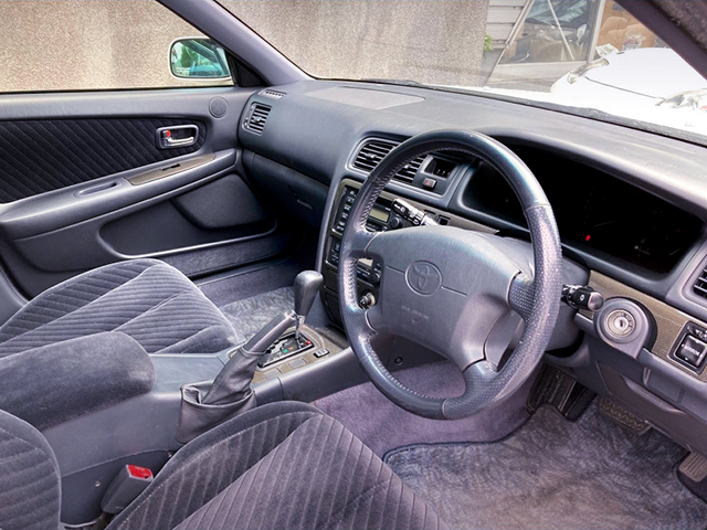 DRIVER'S INTERIOR of JZX100 CHASER TOURER-S EXCITING PKG.