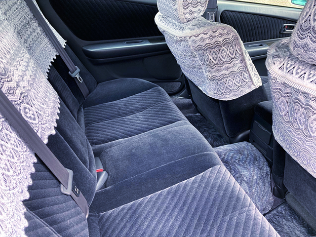 BACKSEAT and FRONT SEATS. of JZX100 CHASER TOURER-S EXCITING PKG.
