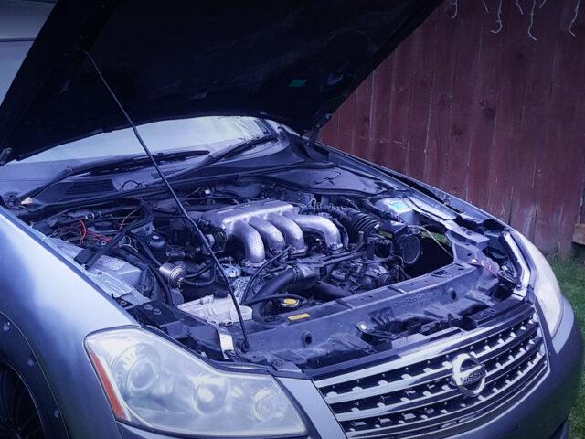 VH45DE 4500cc V8 ENGINE into M35 STAGEA ENGINE ROOM.