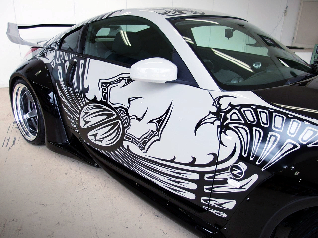 GRAPHIC DECAL of TOKYO DRIFT.