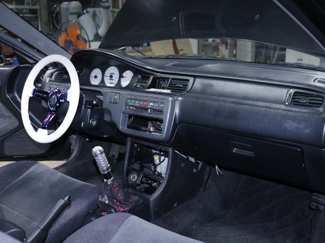 LEFT HAND DRIVE INTERIOR of EJ1 CIVIC COUPE.