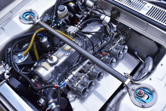 L28 With KAMEARI 3.2L STROKER KIT and ITBs.